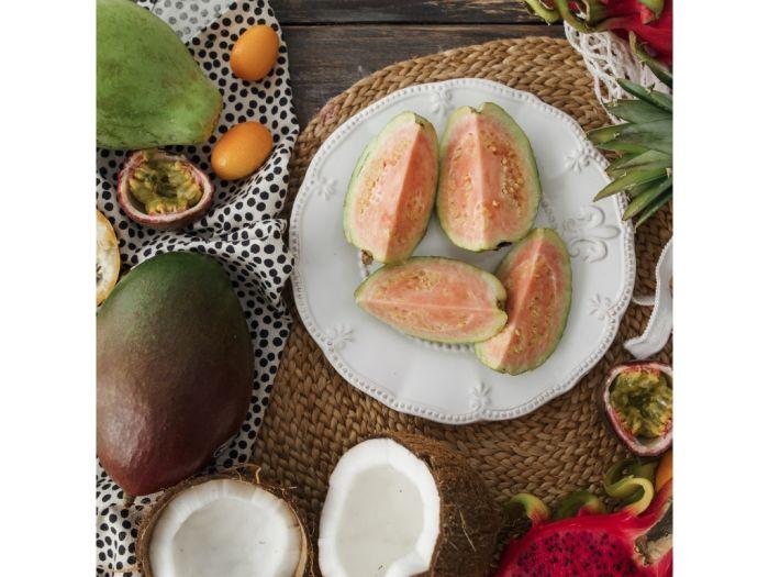 Гуава с розовой мякотью: фото 2 - FreshMart